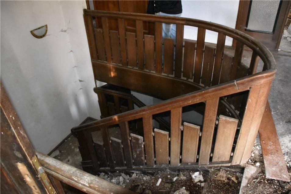 Ob die Treppen einer Begehung überhaupt noch standhalten, ist ungewiss.