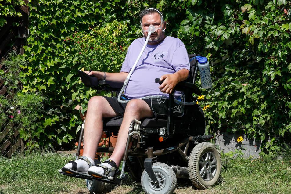 Andreas Bachmann aus Oderwitz hat ALS, eine Erkrankung des zentralen Nervensystems, die seine Muskeln und seinen Körper lähmt - und die immer weiter fortschreitet.