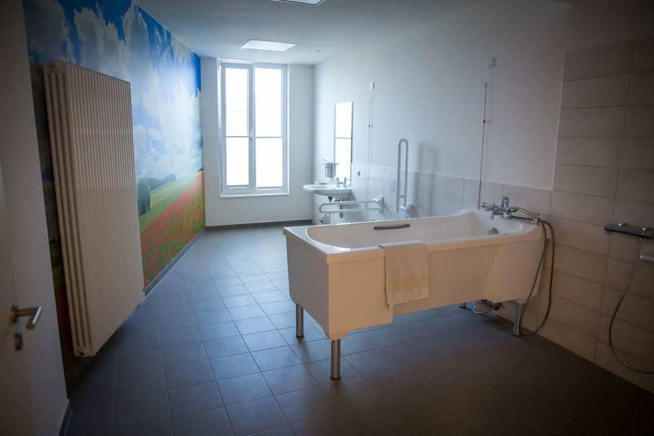 Blick in das Pflegebad im Marien-Hospiz.