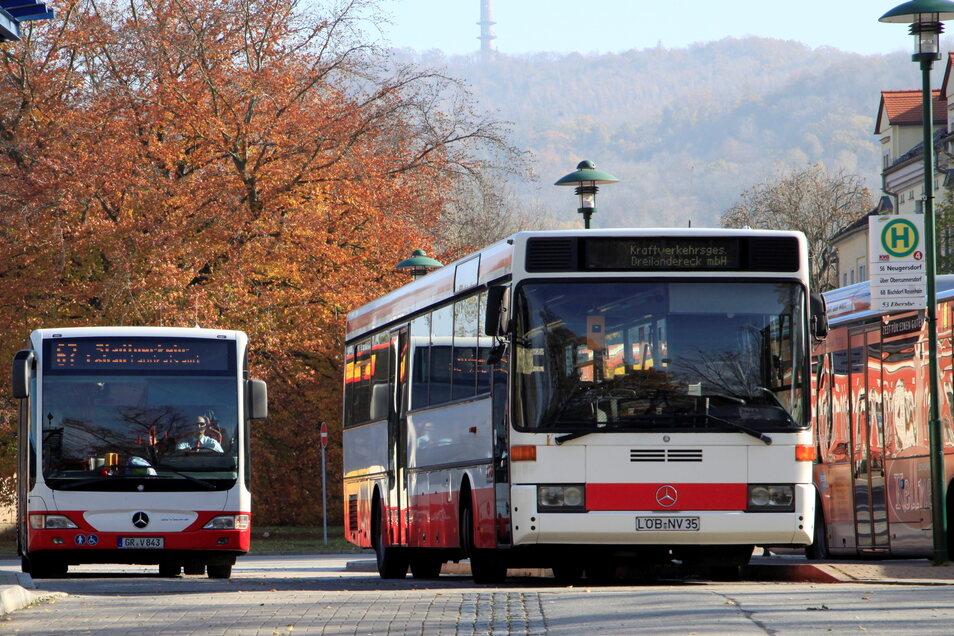 Der Busverkehr im südlichen Landkreis ist seit Jahresbeginn neu sortiert. Doch zufrieden sind damit nicht alle Gemeinden.