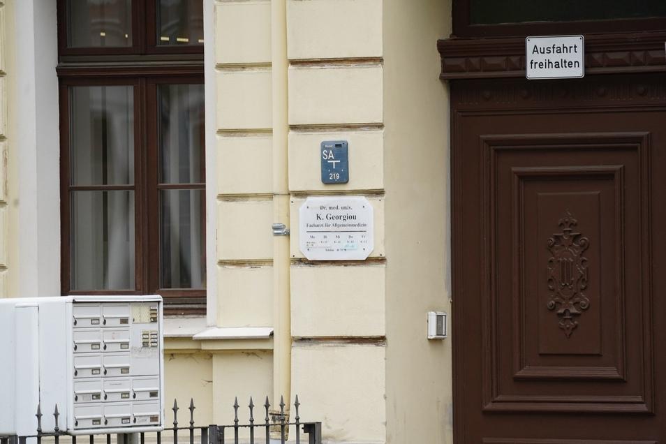 Der Eingang zu der Görlitzer Arztpraxis.
