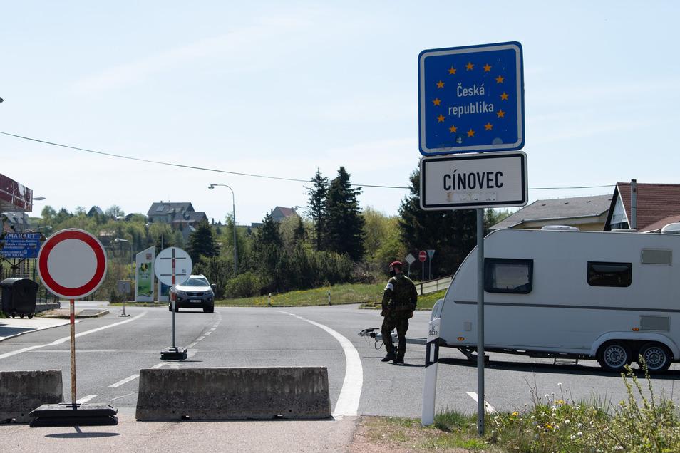 Wenn es nach Tschechiens Innenminister geht, öffnen bereits am morgigen Dienstag alle Grenzübergänge nach Deutschland.