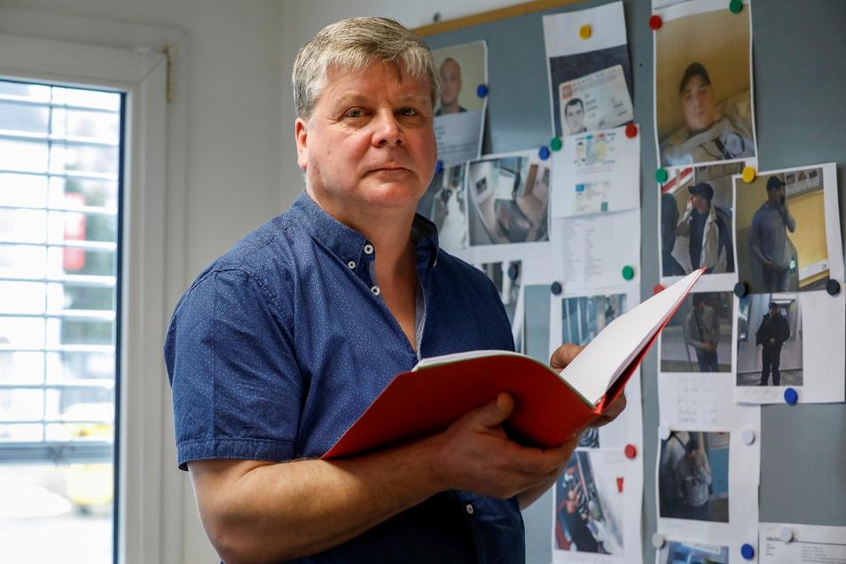 """Kriminalhauptmeister Frank Lange ist in der deutsch-tschechischen Fahndungsgruppe """"Lausche"""" Bandentätern im Oberland auf der Spur."""