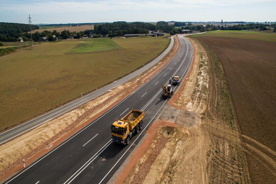 Große Teile der B169 zwischen A4 und Döbeln sind bereits ausgebaut worden. Vor zwei Jahren der Abschnitt zwischen Grünem Haus und Greifendorf. An anderen Stellen ist das Lasuv noch nicht so weit.