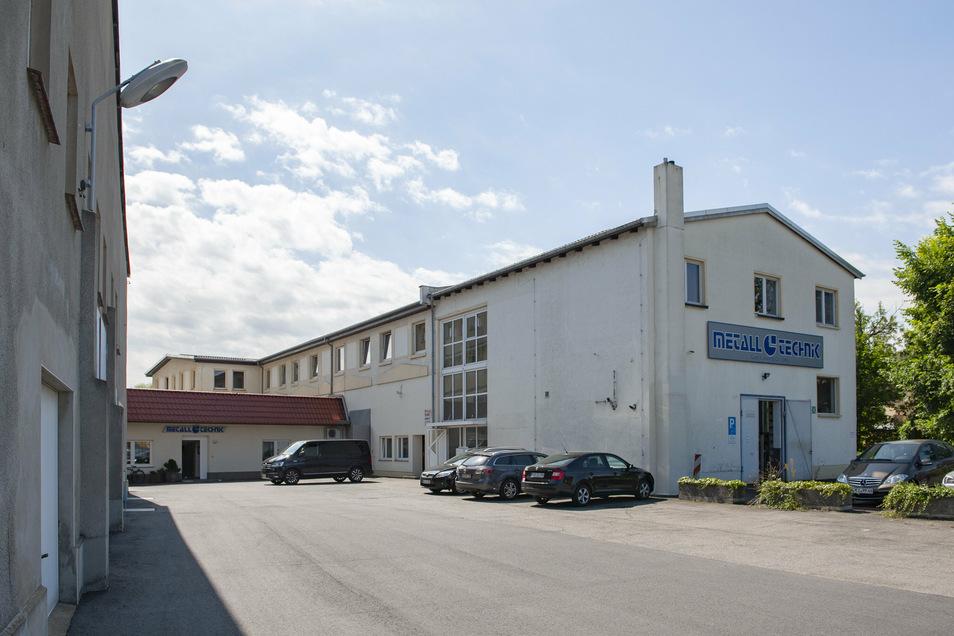 """Die bisherige Produktionsstätte """"An der Elmobrücke"""" soll zu einem attraktiven Wohnstandort mit elf Eigentumswohnungen umgestaltet werden."""