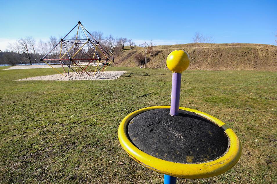 Im Bereich des Rodelberges im Naherholungsgebiet am Bröthener Badesee ist noch reichlich Platz. Zum Beispiel für einen Fitnesspark, gewissermaßen als Betätigungsfeld für Erwachsene und als Ergänzung zum vorhandenen Kinderspielplatz.