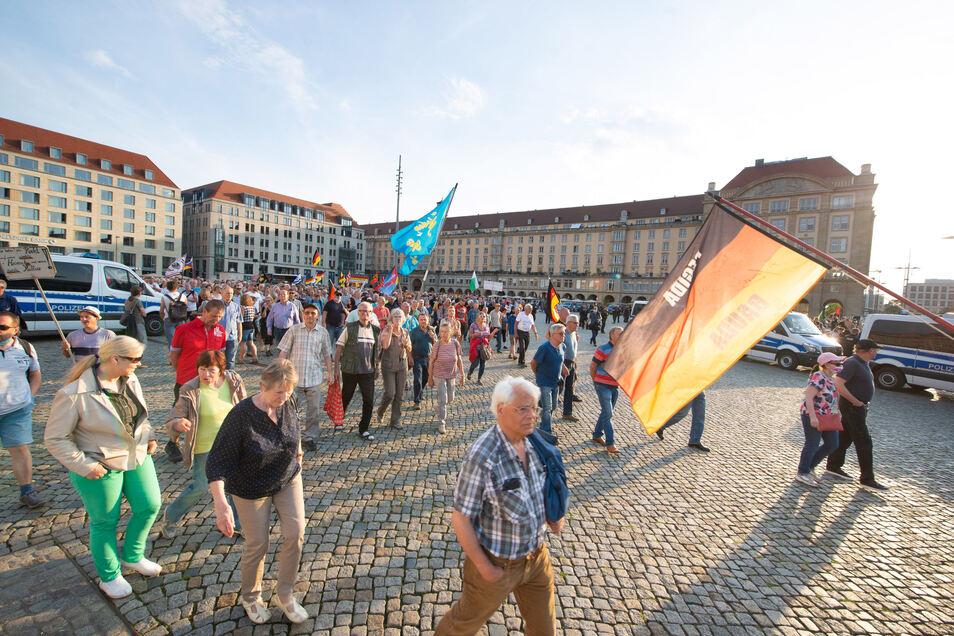 Pegida trifft sich auch am Jahrestag der Reichspogromnacht in Dresden. Das sorgt für Empörung.