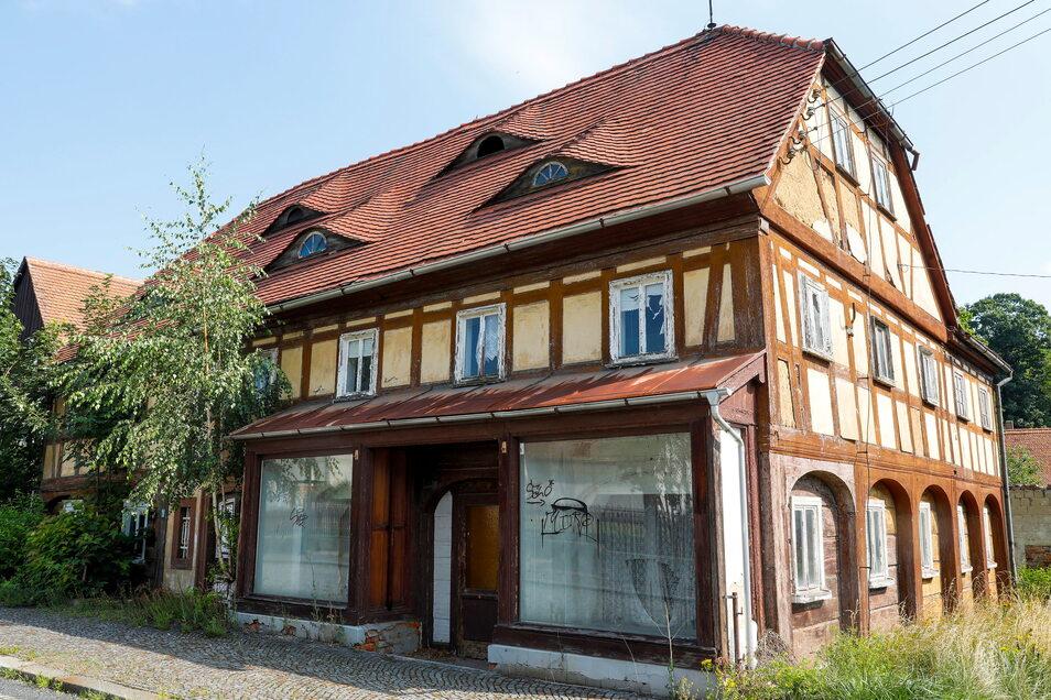 Hier ging es doch auch. Zum Erhalt dieses Umgebindehauses in der Theodor-Haebler-Straße in Großschönau wurde die Gebäuderückseite notgerettet.