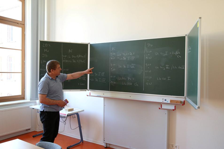 Am Dienstag kam die Schulleitung des Curie-Gymnasiums zusammen, um zu planen, wann welche Konsultationsstunden für die Abiturienten stattfinden sollen und in welchen Räumen. In den kommenden Wochen sollen nie mehr als 30 Schüler zugleich im Schulhaus sein