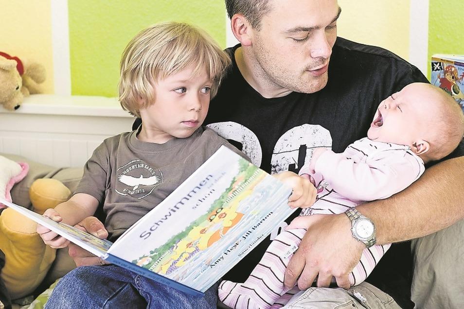 In Pirna wird jetzt eine Kleinkindgruppe für Väter angeboten.