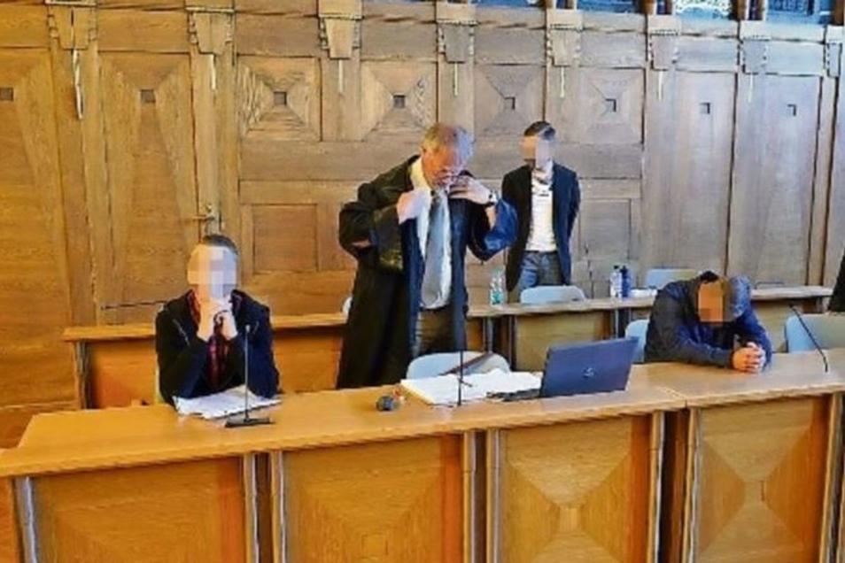 Schon am ersten Verhandlungstag hatten die drei Angeklagten ihre Taten gestanden. Am Freitag wurden sie nun vom Landgericht Görlitz in Bautzen verurteilt.