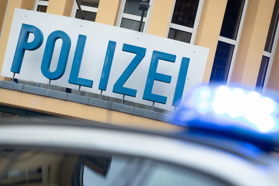 Die Polizei ermittelt zu eine schweren Unfall im Laußnitzer Ortsteil Glauschnitz.