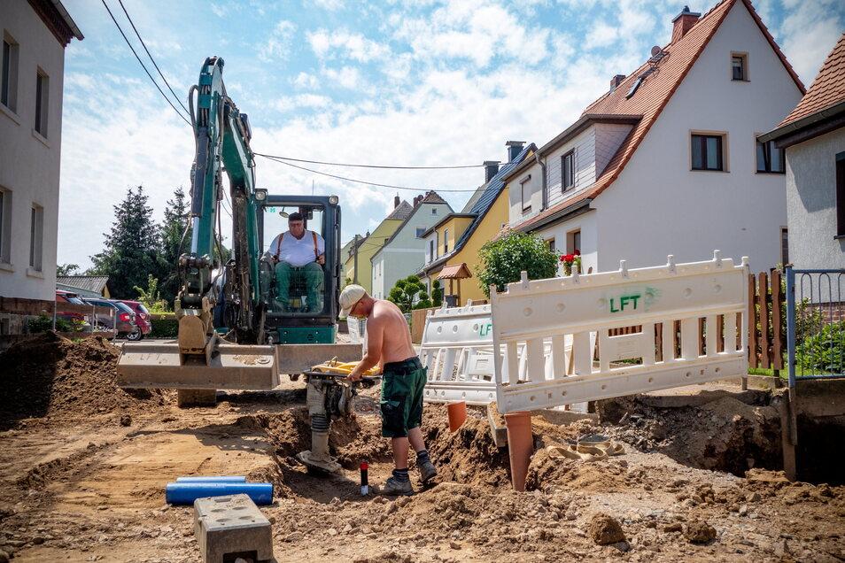 Ende dieser Woche werden die Arbeiten der Firma LFT Straßen- und Tiefbau GmbH aus Ostrau an den Trink- und Abwasserleitungen h komplett fertig sein.