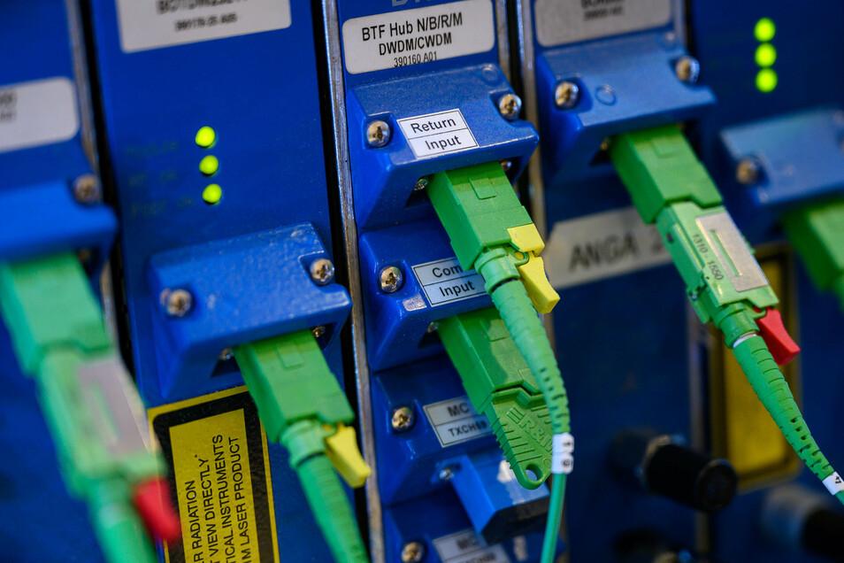 Moderne Glasfasertechnologie macht das Netz sehr schnell.