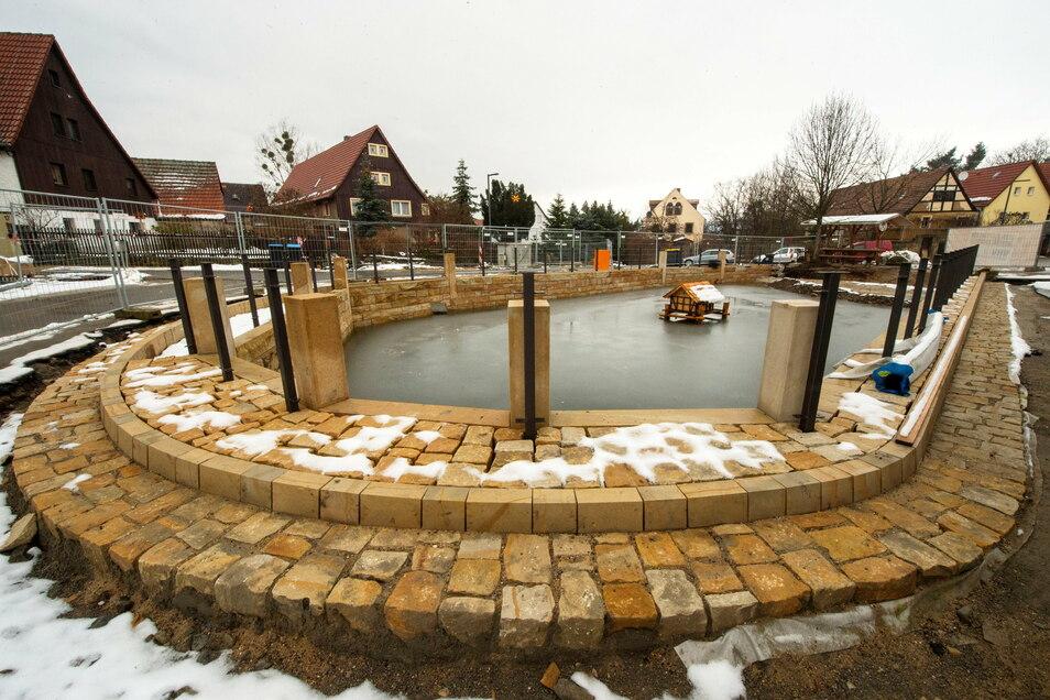 Der historische Rundling mit Teichanlage in Pirna-Mockethal wird saniert.
