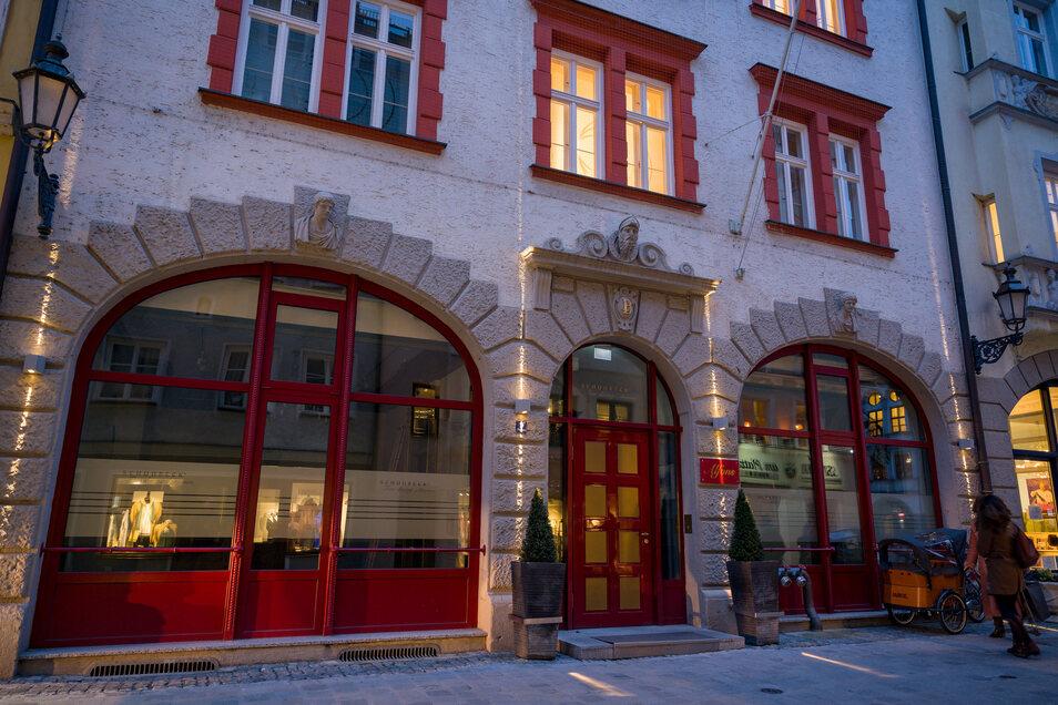 Das Restaurant Alfons am Platzl. Alfons Schuhbeck (70) ist vorerst kein Sternekoch mehr. Mit der Schließung seines Münchner Gourmet-Restaurants «Alfons» hat er seinen Stern verloren.