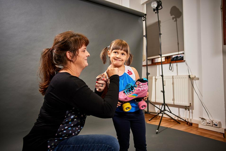 Anett Reile mit Tochter Tina beim Fotoshooting für den Kalender.