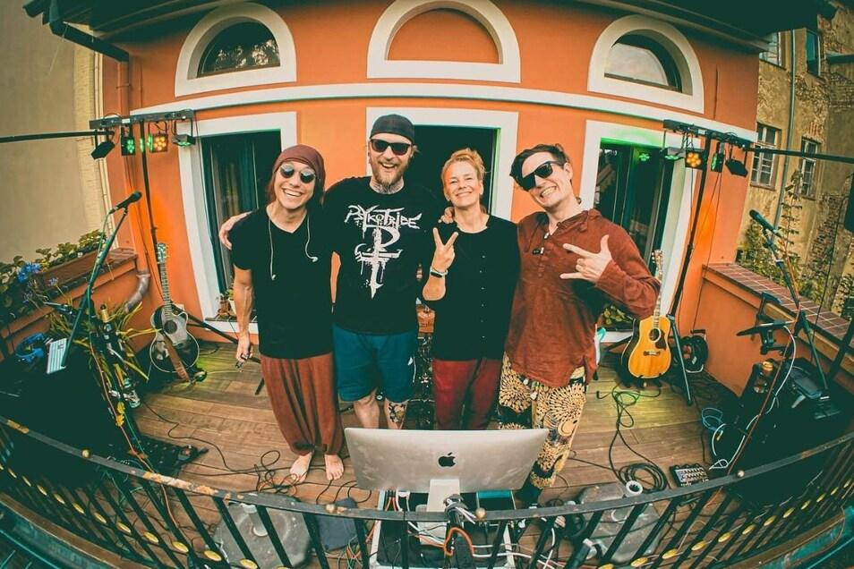 Die Bandmitglieder von Colour the Sky hatten viel Spaß beim Konzert auf dem Görlitzer Balkon.
