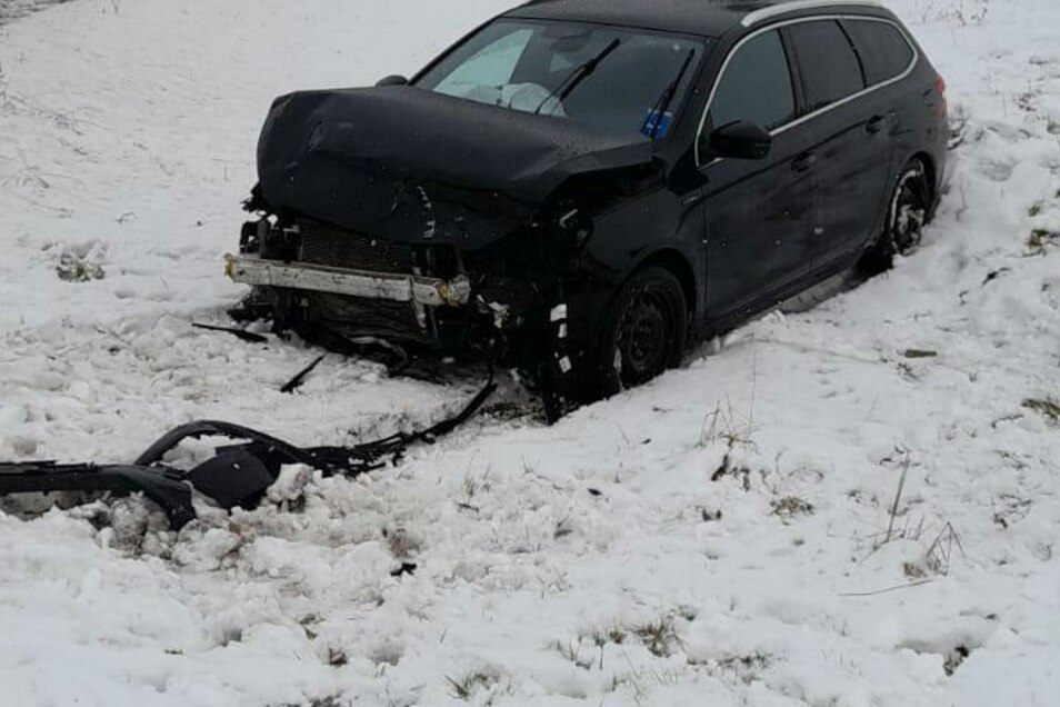 Bei dem Unfall in Waldheim entstand ein Sachschaden in Höhe von 35.000 Euro.