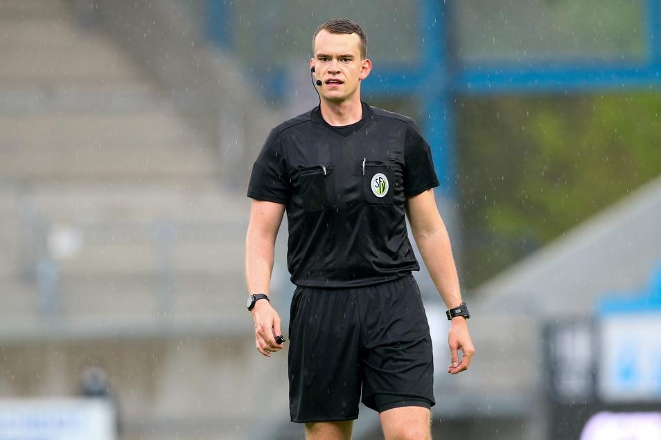 Richard Hempel ist Schiedsrichter der SG Großnaundorf, er pfeift ab der kommenden Saison in der dritten Liga.