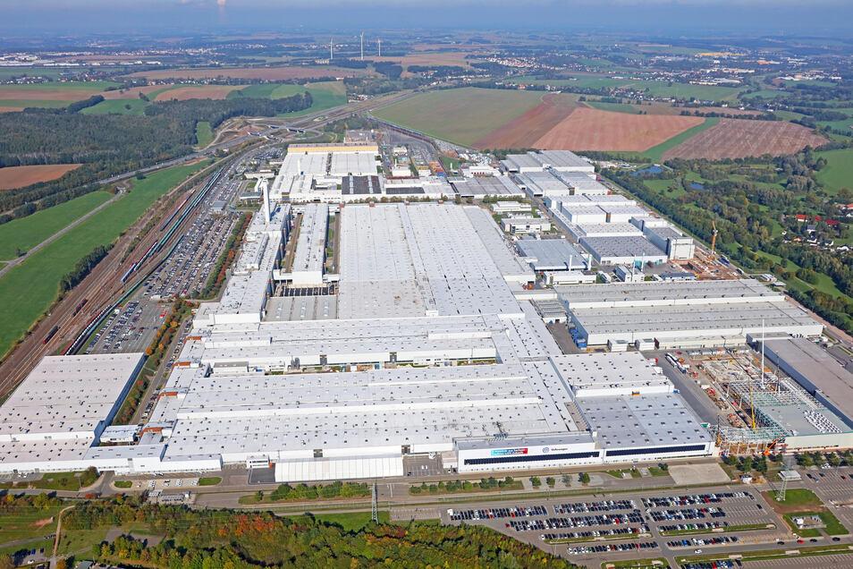 Volkswagen ist mit 9.800 Mitarbeitern Sachsens größter Arbeitgeber. Hier eine Luftaufnahme des Werks in Zwickau.