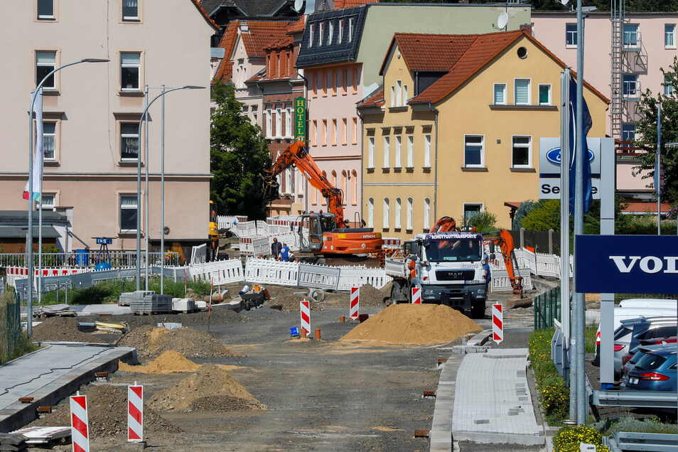 Noch laufen die Arbeiten an der Zittauer B96/ Kreuzung Äußere Weber-, Rietschel- und Goldbachstraße.