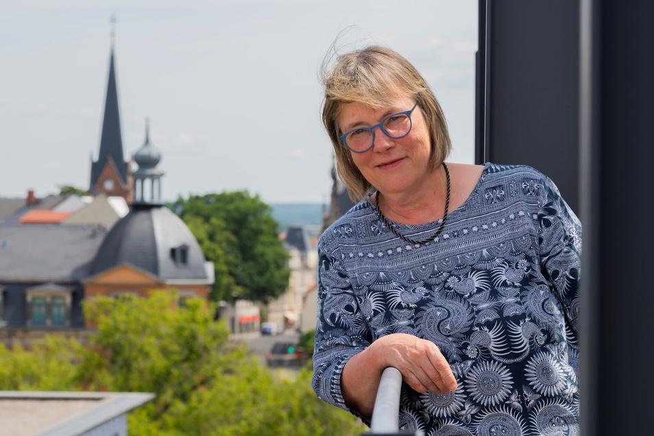 Von ihrer Stadtschreiber-Wohnung in Dresden-Preschen hat Kathrin Schmidt eine grandiose Aussicht.