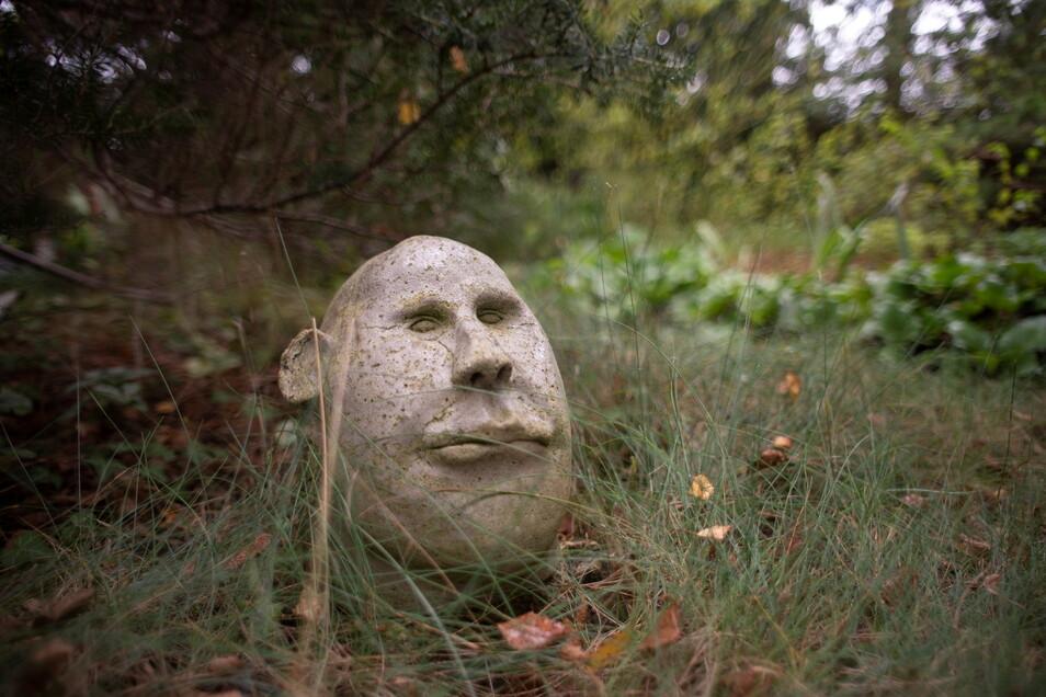 Kunst am Wegesrand - hier eine Plastik des verstorbenen Kamenzer Künstlers Rüdiger Vollhard.