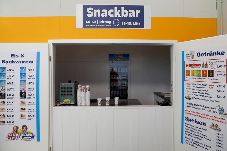 Die Snackbar bietet alles Essbare, was Kinderherzen höherschlagen lässt.