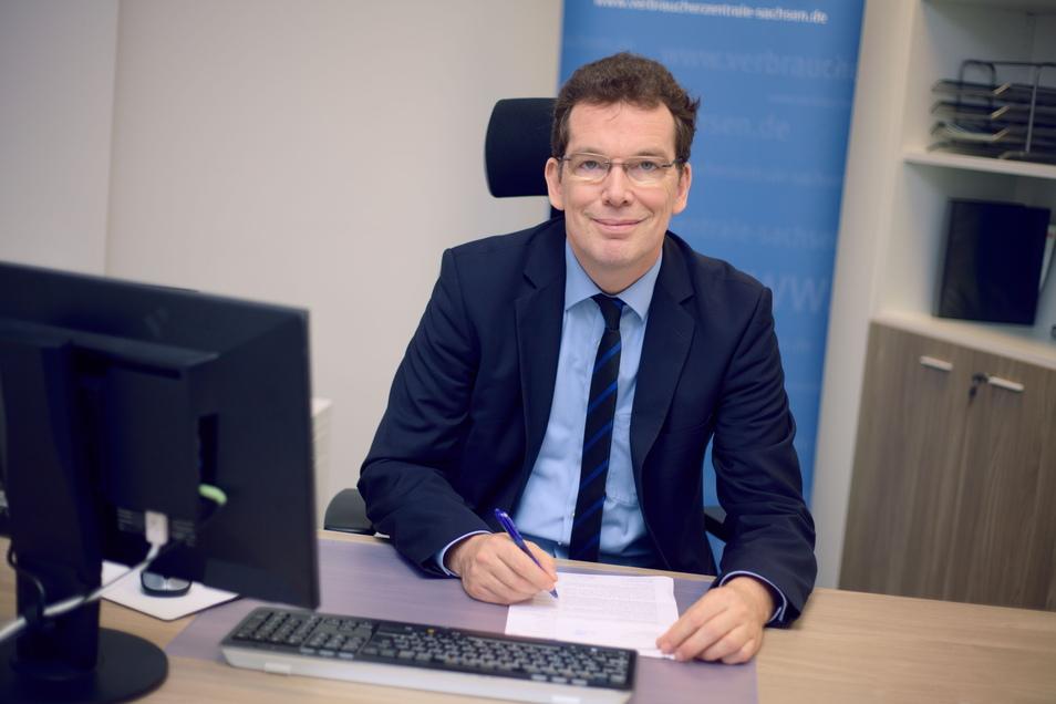 Andreas Eichhorst ist seit 2016 Vorstand der Verbraucherzentrale Sachsen. Der 58-Jährige kam aus Berlin nach Sachsen.