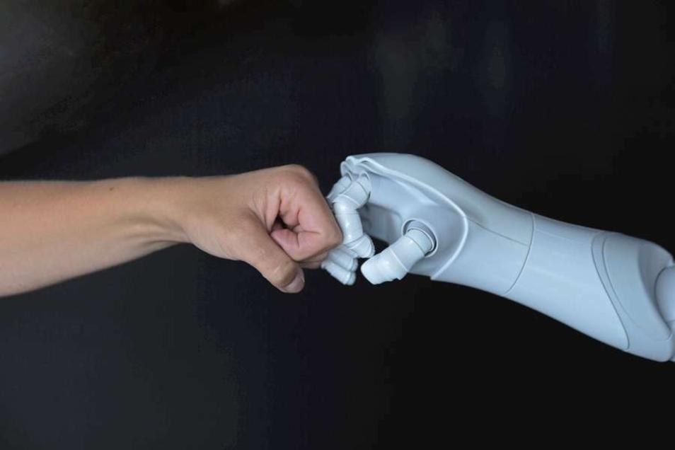Ein starkes Team: Zukunftstechnologien stehen im Mittelpunkt von spezialisierten IT-Studiengängen.