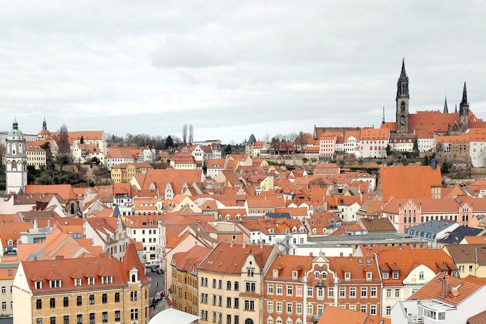 Die Altstadt zu Füßen: Nur ein Ausschnitt kann hier andeuten, welcher Blick sich vom Plossen aus auf die Meißner Altstadt bietet.