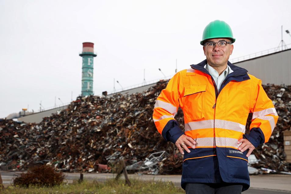 Aus Schrott wird neuer Stahl: Pietro Perini verantwortet bei Feralpi in Riesa den Schrotteinkauf.