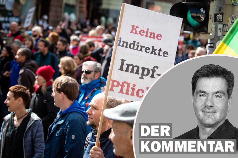 Das Bundesamt für Verfassungsschutz beobachtet Personen und Gruppen innerhalb der Querdenker-Bewegung.