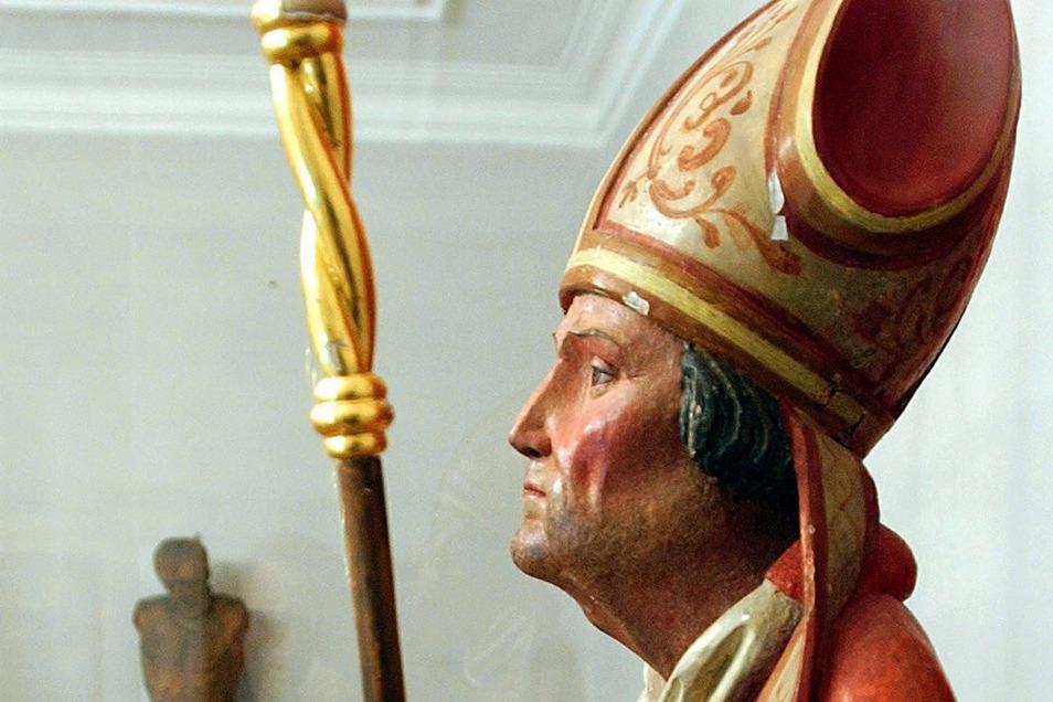 Figur des Heiligen Benno. Er war der erste Heilige aus dem heutigen Sachsen.