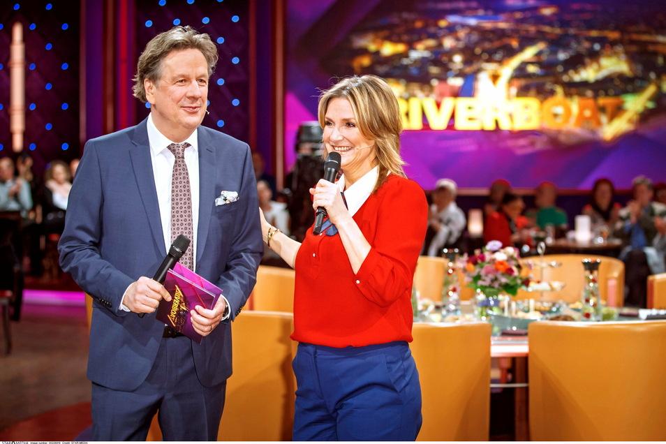 Jörg Kachemann und Kim Fisher - hier bei einer Sendung im vergangenen Jahr - moderieren die Talkshow Riverboat im MDR-Fernsehen.