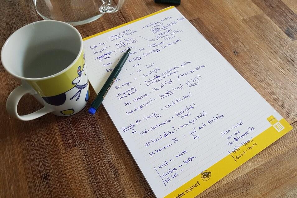Selbst auf dem Küchentisch liegen jederzeit die Aufzeichnungen parat. Im Kopf gespeichert sind sie deswegen aber noch lange nicht.