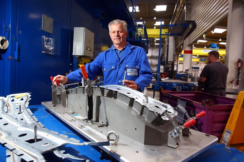 Norbert Krause arbeitet seit dem Start vor 25 Jahren bei Linde und Wiemann in Elstra-Rauschwitz. Sein Herzblut stecke in dem Werk, sagt er.