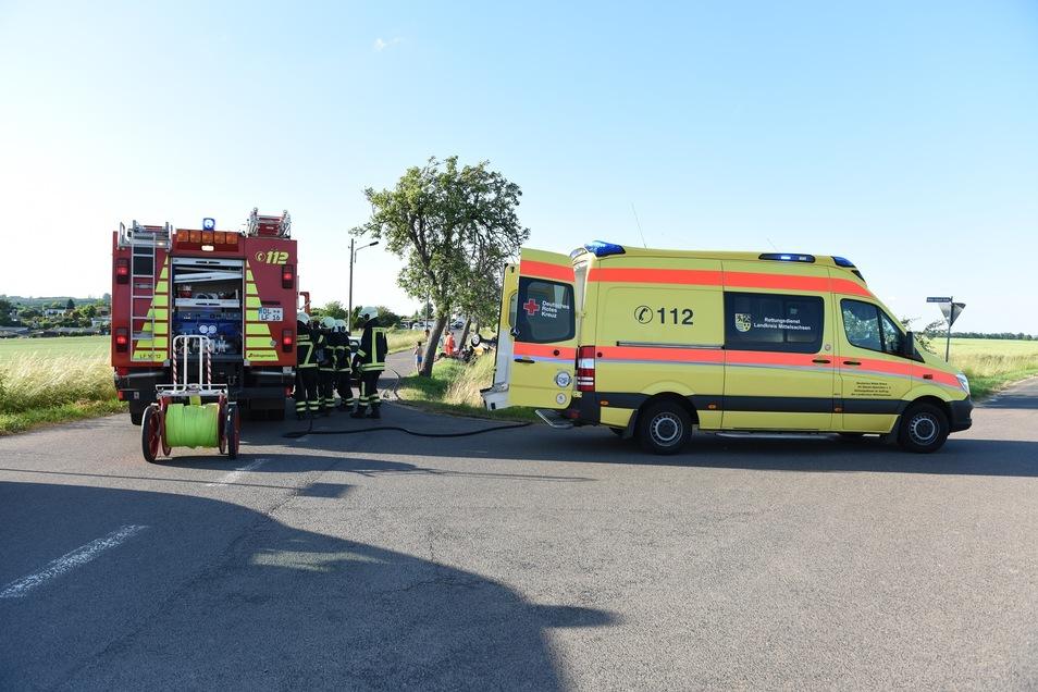 Mehrere Feuerwehrleute und Rettungskräfte waren am Holländerweg im Einsatz.
