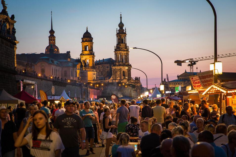 Das Dresdner Stadtfest zählt mit mehr als 550.000 Besuchern zu den größten Kommunalparties Ostdeutschlands.