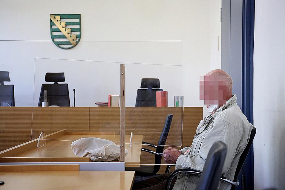 Weil ein Streit mit seinem Bruder eskalierte, stand ein Priestewitzer jetzt in Riesa vor Gericht.