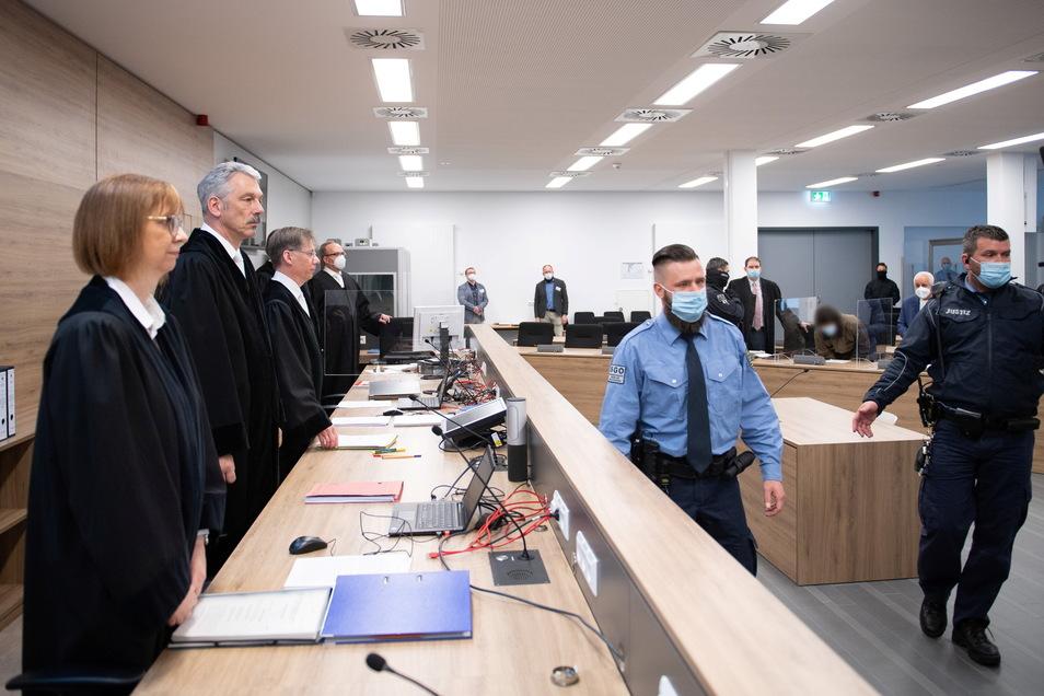 Die Hauptverhandlung findet in dem Hochsicherheitsprozessgebäude am Hammerweg statt.