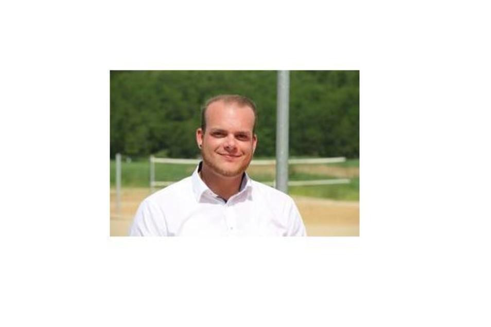 Sebastian Knabe ist Vorsitzender des DLRG-Landesverbandes Sachsen. Normalerweise ist er sehr fürs Schwimmen, aber im Moment gerade nicht.