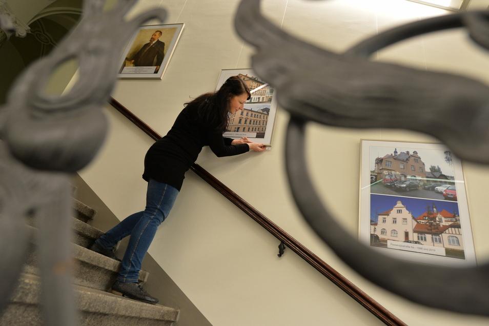 Eine Fotodokumentation zur Historie Radebeuls gibt es auch im Treppenhaus des Rathauses.