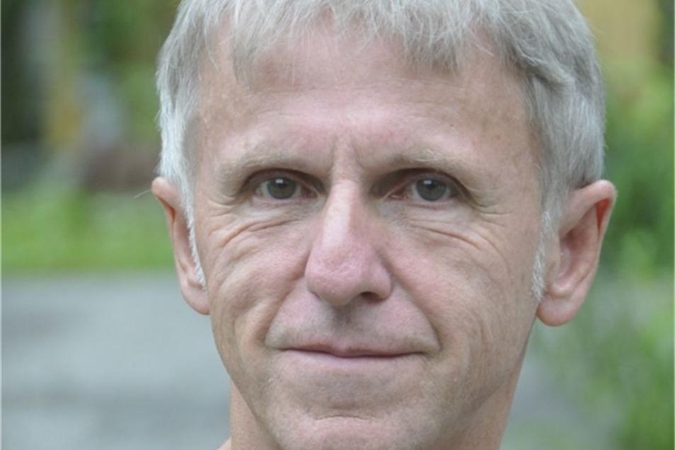 Wolfgang Kettler (68) aus Heidenau ist der Vorsitzende des Freundeskreises Sächsischer Naturisten, den er vor zehn Jahren gegründet hat.