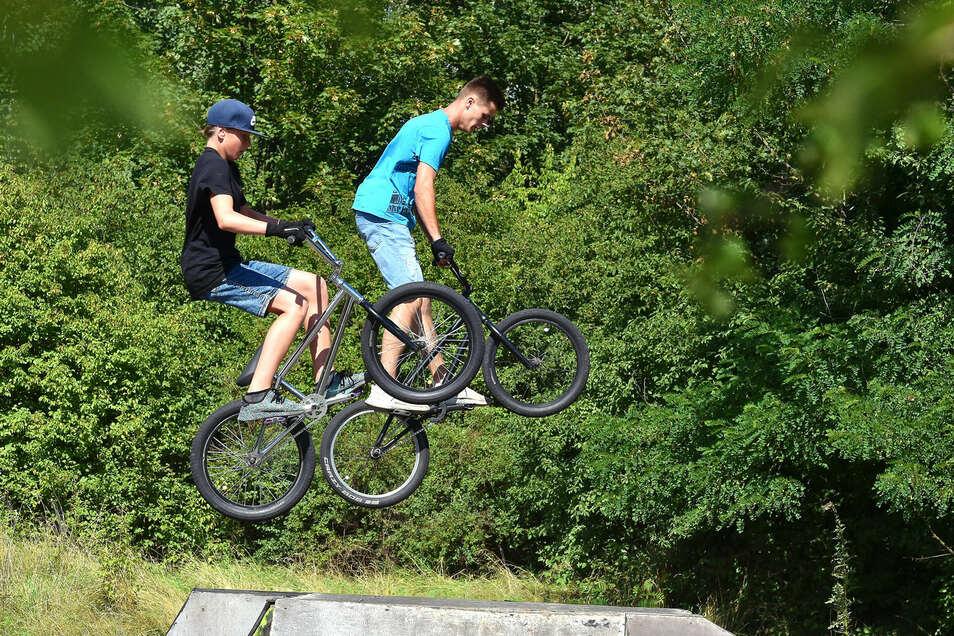 Mit dem Bike über eine Skaterbahn: Dieses Hobby ist bei jungen Leuten beliebt. Auch in Elstra? Das und mehr soll bei einem Jugendforum diskutiert werden.