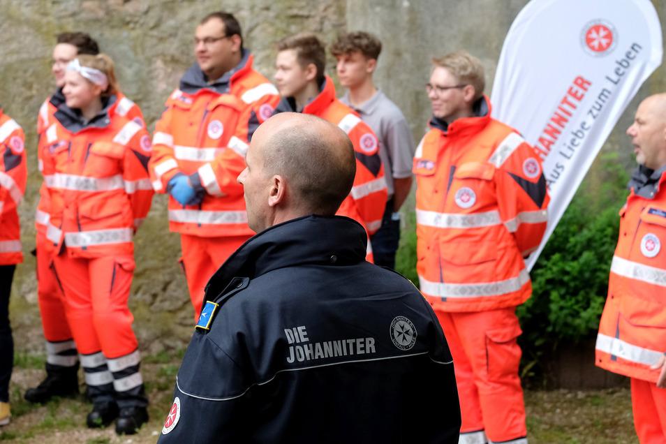 Dirk Roscher vom Regionalvorstand der Johanniter Meißen/Mittelsachsen begrüßte die Sanitätsgruppe im neuen Stützpunkt im ICM.
