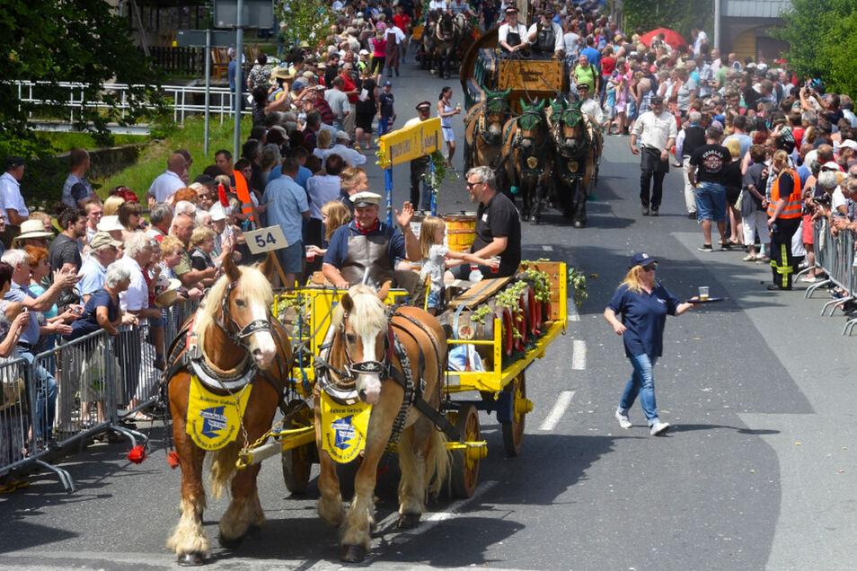 Historische Bier- und Traditionszug. Der Wagen der Brau-Manufaktur Görlitz. Foto: Matthias Weber