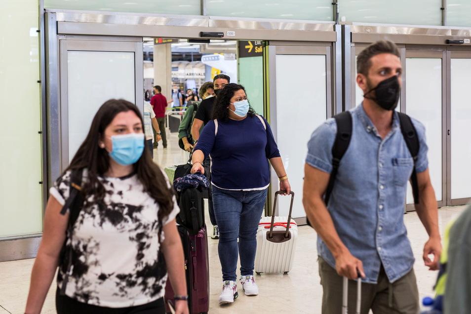Einreisende aus Nicht-EU-Ländern dürfen unter bestimmten Bedingungen bald wieder nach Deutschland einreisen.