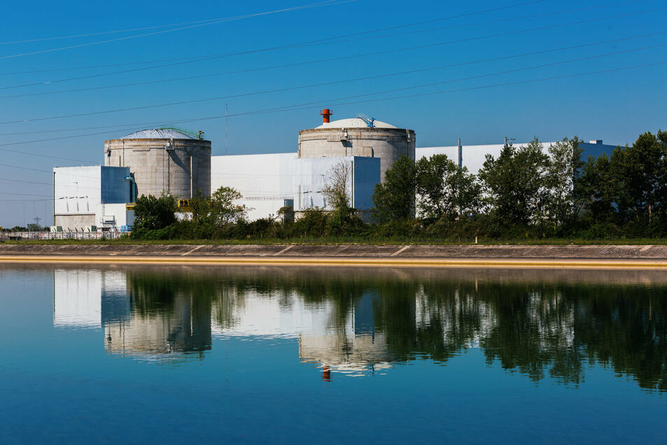 Seit das Atomkraftwerk in Fessenheim 1977 den Betrieb aufnahm, gab es Proteste, Klagen und sogar Hungerstreiks dagegen.